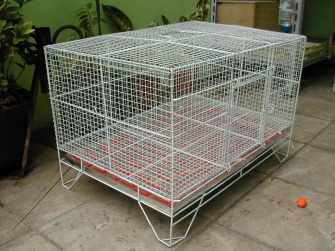 Indoor-rabbit-cages made of all plastic-wrapped wires